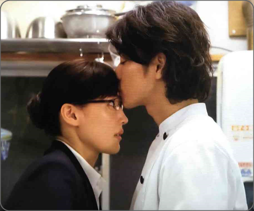 佐藤健、綾瀬はるかおでこにチュ