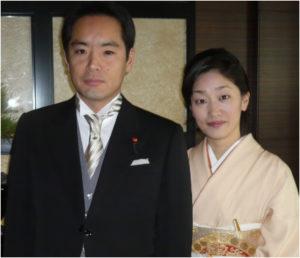 井上信治万博相の奥さん 夫人顔画像